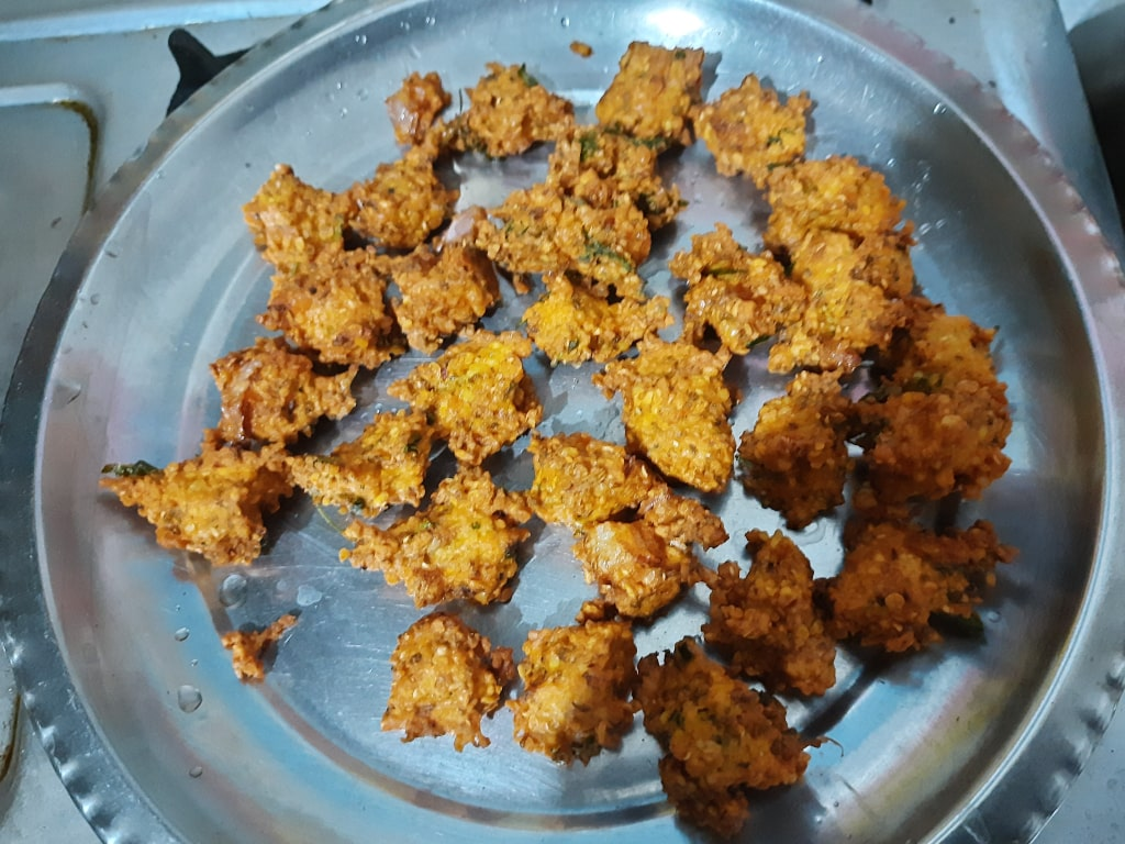 Moong Dal pakoda in a plate