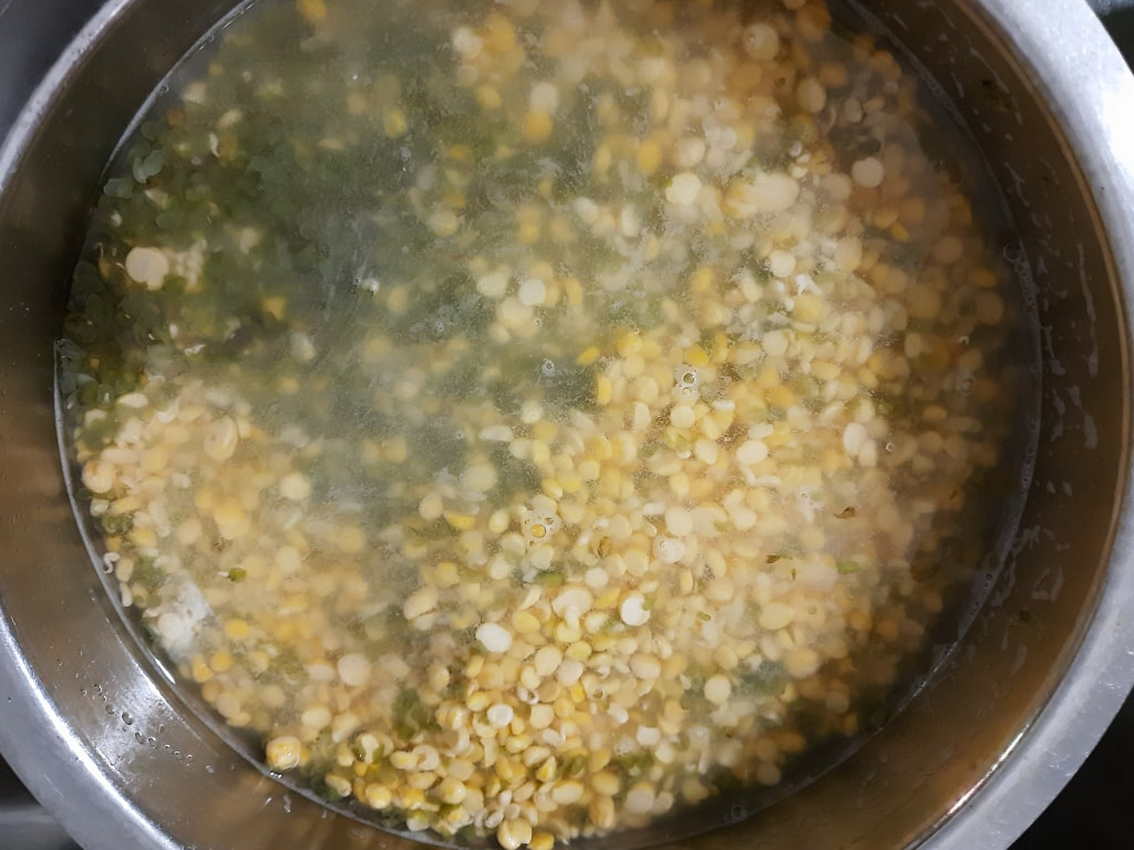 soaking-dal-for-chana-moong-badi