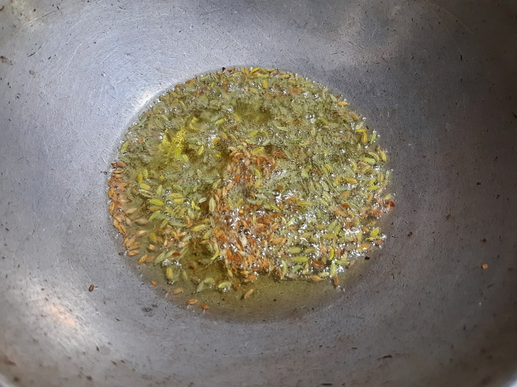 add fennel seeds